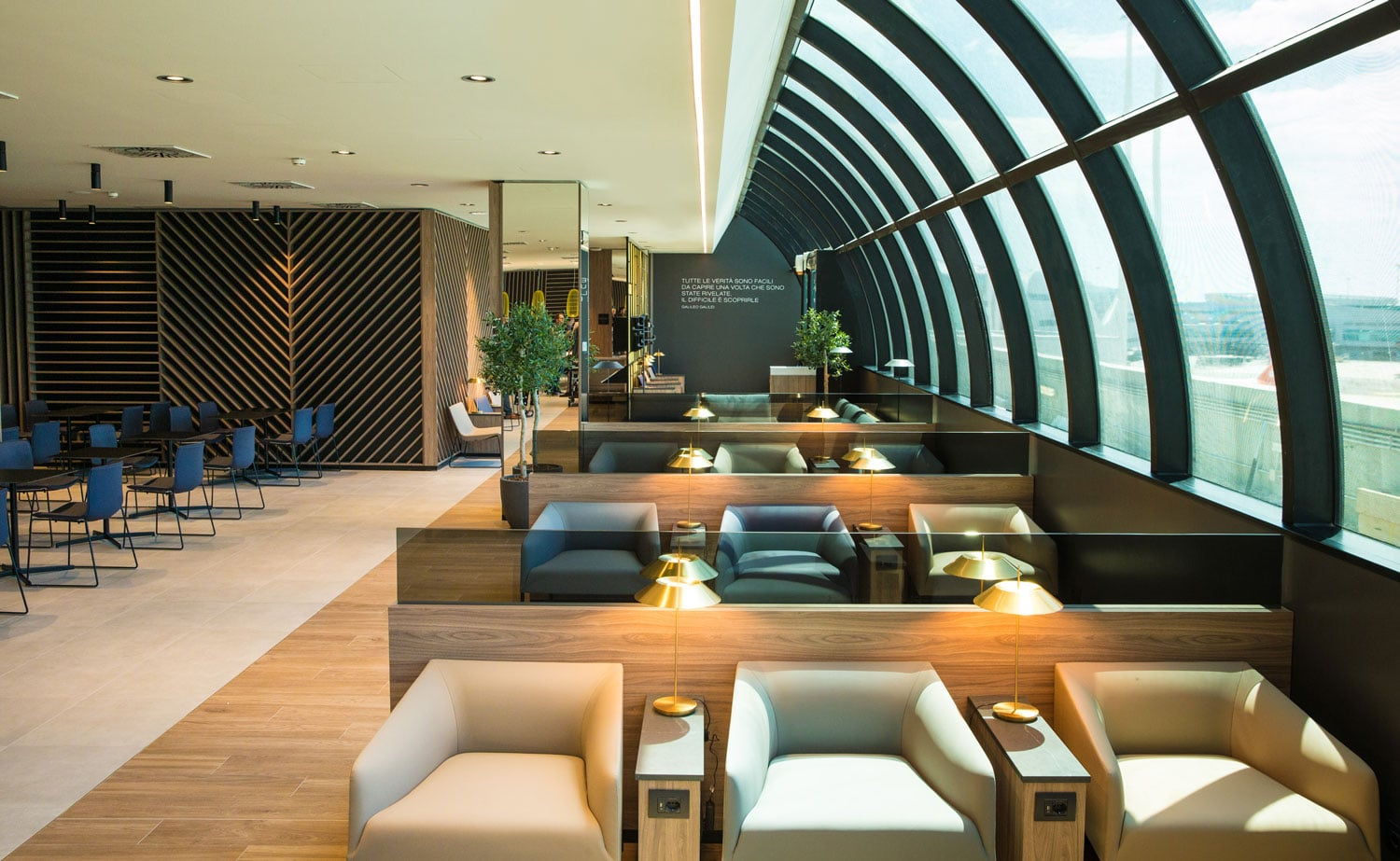 1-STAR-ALLIANCE-LOUNGE-FCO-AIRPORT-INDY-BLUE-STUDIO